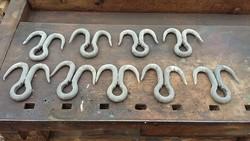 Régi húskampók acélból