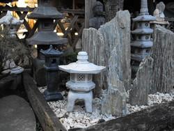 Szép Japán kertépítés i Kő lámpa Feng Shui szikla  kerti tó pagoda műkő szobor