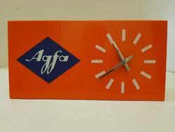 Reklámóra. Retro reklám. Agfa asztali reklámóra.