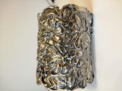 Kézműves virágos extrém széles ezüst karperec