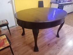 Faragott régi ovális étkezőasztal