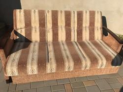 Ágyazható kanapé, fotellel eladó!