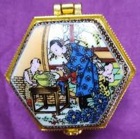 Kínai porcelán ékszertartó - 2,5 x 4 cm.
