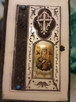 Ima könyv és Énekes könyv, csont borítással, fémverettel, aranyvégű lapszéllel.