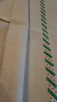 Keresztszemes hímzett vászon terítő ,törülköző 90*47cm