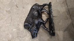 Bronz szobor, 15 cm magas, 22 cm hosszú, vaddisznó.