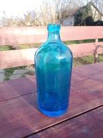 Kék szódas üveg