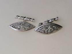 Ezüst mandzsettagombot sárkány díszítéssel. 900 as ezüst.