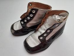 Régi gyerekcipő vintage fekete fehér babacipő lakkcipő dekoráció