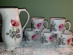 Bazsarózsás Zsolnay kancsó csészékkel