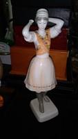 Hollóházi porcelán nő szobor, 30 cm-es, hibátlan állapotban.
