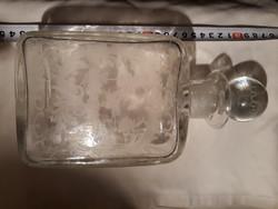 Régi fújt , csiszolt pincetok üveg