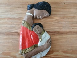 Törött falidísz anya gyermekével