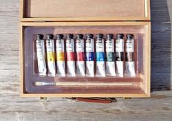 10 db. pébéo tubosos festék + ecset, fa bőröndjében