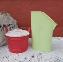 Retro műanyag piros  sótartó  dézsa+ zacskós tejtartó , paraszti dekoráció, nosztalgia