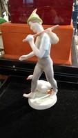 Hollóházi porcelán  szobor, 22 cm-es, hibátlan állapotban.