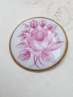 Hollóházi bordó rózsás porcelán bross medál újszerű állapotban