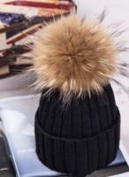 Téli női kötött Bobble sapka szőrme pomponnal