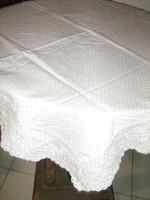 Csodaszép fehér madeira csipkés damaszt terítő