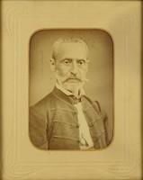 1D402 Antik fotográfia férfi díszmagyarban 35 x 30 cm