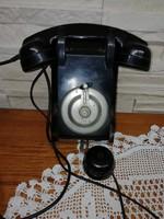 Falra szerelhető retro telefon