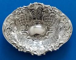 Ezüst barokk kínáló tálka