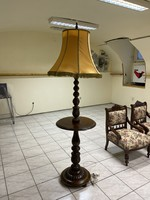 Működőképes szép asztali lámpa eladó!Ara:16000.-