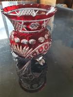 Kézzel csiszolt vörös ólomkristály váza