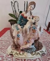 Hatalmas capodimonte anya gyermekével ritka porcelán alkotás eladó!