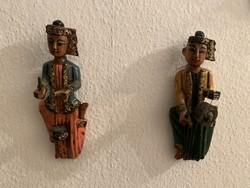 Burmai festett faragott babák