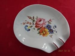Aquincum porcelán kézzel festett  hamutál, tavaszi virágmintával.  Mérete 11,5 x 9,5 x 2 cm.