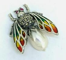 Cuki szárnyas medál bross rubinnal, markazittal, gyönggyel sterling ezüst /925/ új