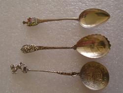 Dísz , kis kanál  ,szép csavart eljárással készült , anyaga ezüst 2 db 800-1 db 835 ezüst !35 gramm