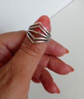 Modern fazonú, vastagabb ezüst gyűrű