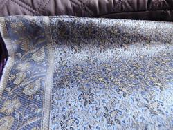Csodaszép hatalmas lila alapon szövött mintás ágytakaró vagy paplanhuzat