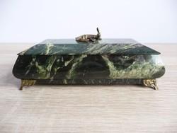 Ékszertartó doboz szerpentin ásványból