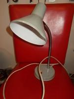 Retro fém gégecsöves elektromos asztali lámpa