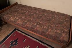 Retro mintás ágyneműtartós heverő egyszemélyes ágy kanapé