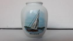 Régi Balatonos porcelán váza, 10 cm