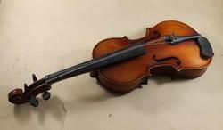 Hegedű 512