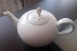 Teáskanna- porcelánból