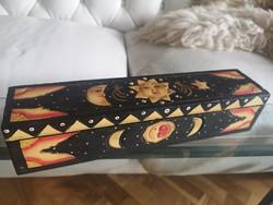 Távol-keleti fa doboz, kézzel faragott, kézzel festett