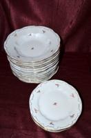 18 db os Zsolnay barokkos, virágos tányér készlet