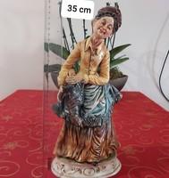 36cm magas capodimonte asszonyság tyúkkal eladó!