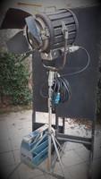 Filmgyári 2000w-os lámpa, Mole Richardson utánzat