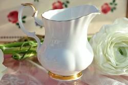 Royal Albert Val d'or tejszínes kancsó