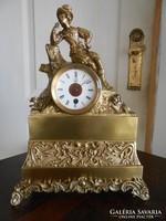 Antik francia kandalló óra