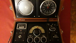 "Működő ""Spirit of St. Louis radio alarm clock S.O.S.L. Collection"" rádió, fa dobozában"