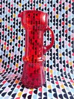 Retro piros üveg vizeskancsó