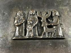 Tevan Margit díszdoboz bibliai jelenettel, 15 x 9 cm